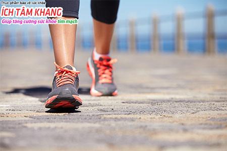 Người bệnh suy tim nên duy trì đi bộ từ 30 - 60 phút