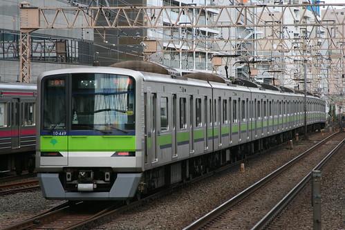 Toei 10-300series(1st ver.) in Sasazuka.Sta, Shibuya, Tokyo, Japan /Dec 9, 2018