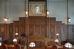 La salle du conseil municipal (Hôtel de ville de Saint-Quentin, France)