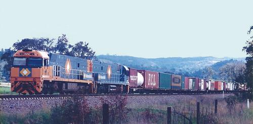NR13 & NR30 WALLAROBBA LOOP WITH 4MB4 16th Oct 1997.
