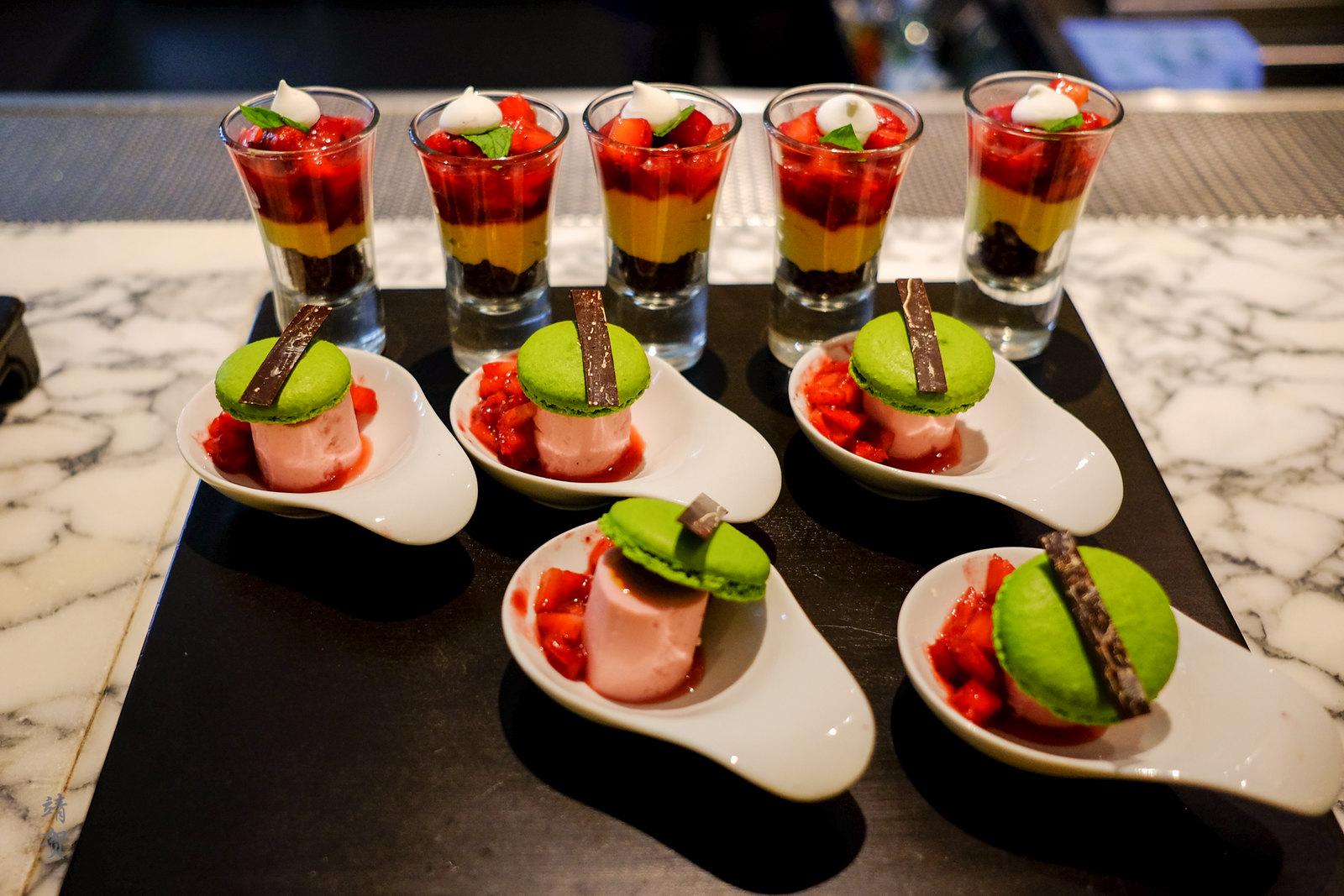 Opera de Pistachio and Strawberry parfait