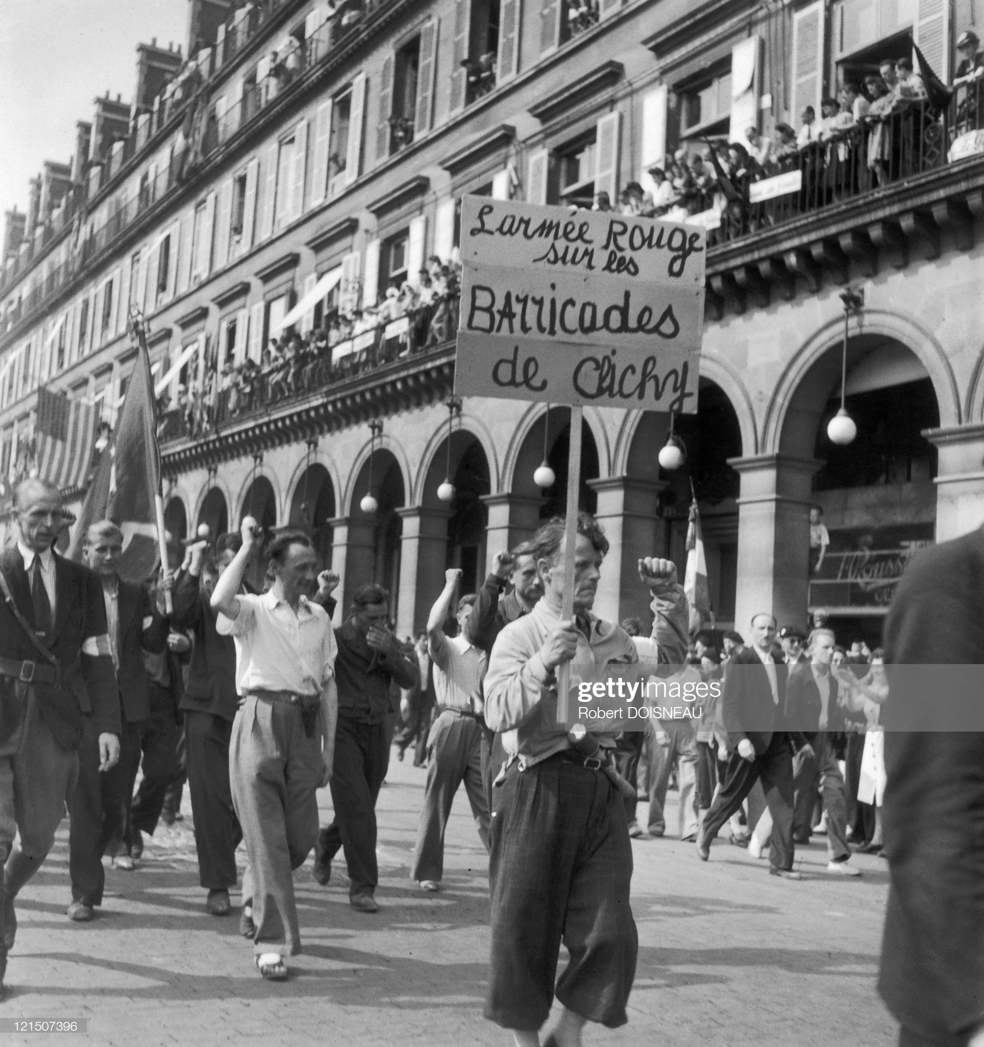 1944. Коммунисты, члены Сопротивления, направляются в Клиши на баррикады