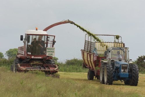 Moogely Vintage Club Silage Working Day June 2018 Fiatagri Hesston 7725 SPFH filling a Krone Forage Wagon drawn by a County 1164 Tractor