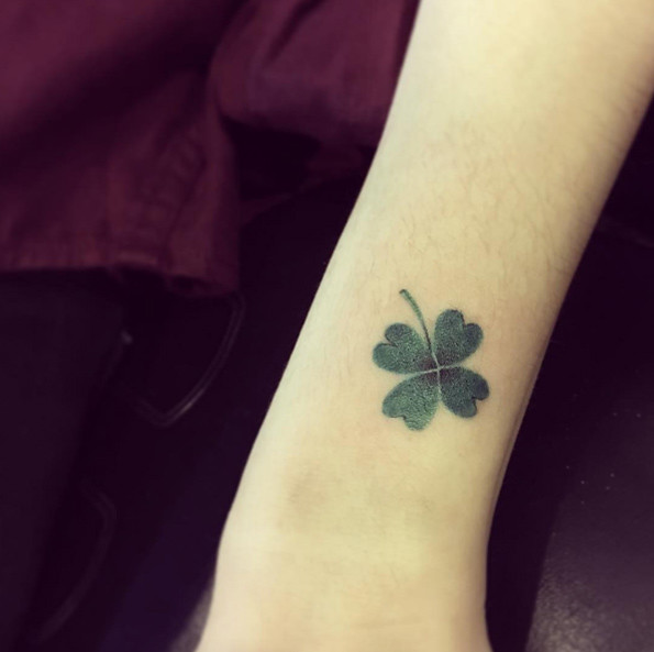 Tatuajes De Treboles Para Atraer La Buena Suerte Mini Tatuajes