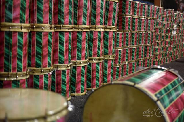 ET Mang 190217 002 Concentração Bateria surdo instrumentos parede