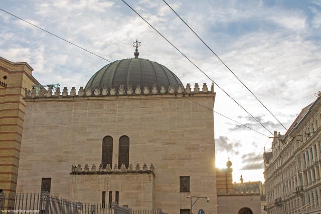 Tempio degli Eroi, Sinagoga di Budapest