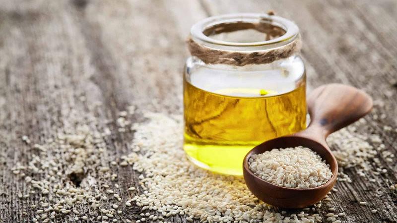 Sesame Seeds (Til) Oil Health Benefits & Uses