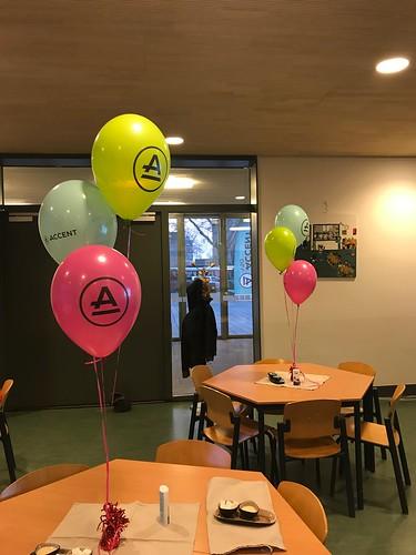 Tafeldecoratie 3ballonnen bedrukt Accent VSO Rotterdam IJsselmonde