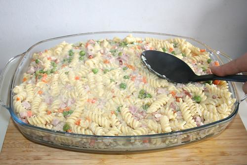 35 - Nudeln glatt streichen / Flatten noodles
