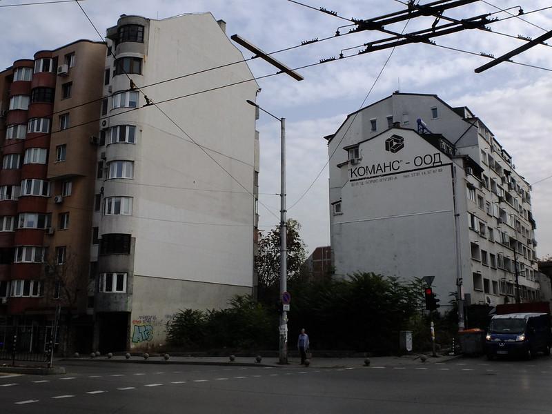 Информация о застройщике на фасадах домов в Софии информацию, традиция, делают, Информацию, сейчас, временная, назад, домов, размещали, довольно, размера, фасада, четверть, треть, архитектуре, скромно, размещают, считать, фасаде, который