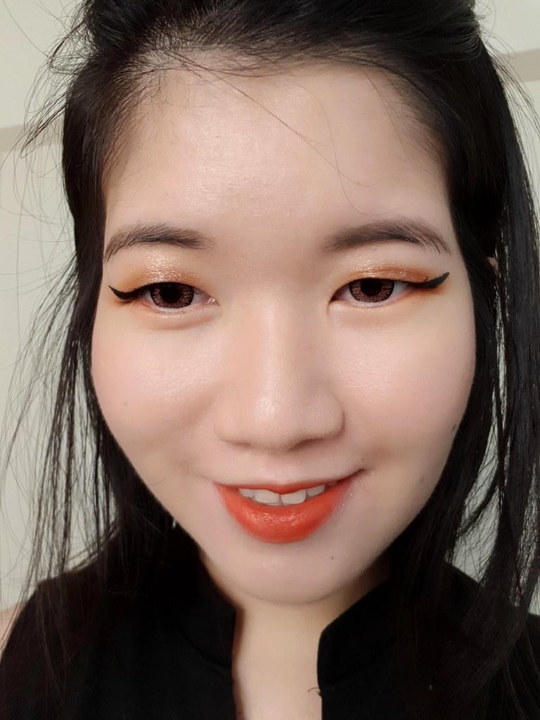 L'Oreal Flash Cat Eye selfie 2