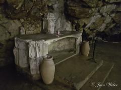 la Sainte Baume (le sanctuaire la grotte de Marie Madeleine) dans le Var-17-cliche Jean Weber