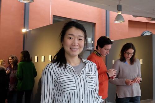 Hui Zhi, student på Remesos masterprogram har hjälpt till med utställningen
