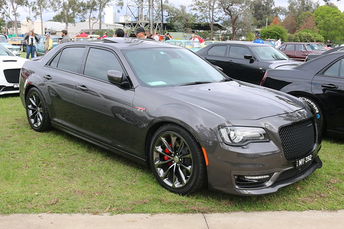 2017 Chrysler 300 SRT