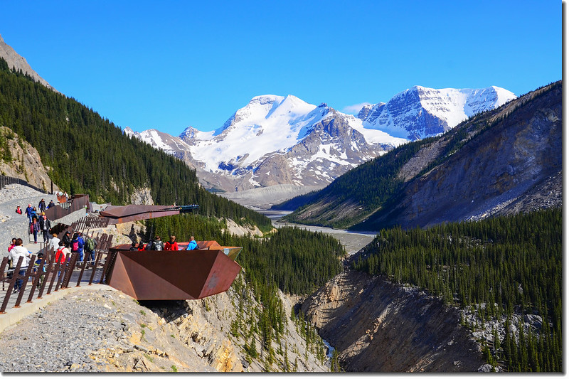 Viewing the skywalk from the parking lot with Mount Athabasca in the background 2