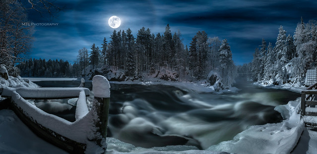 Full moon halo at Myllykoski rapids