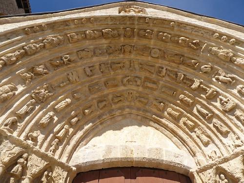 Los Balbases (Burgos-España). Iglesia de San Millán. Portada sur. Arquivoltas