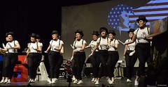 el-coro-femenino-de-tomelloso-levanta-de-sus-asientos-al-publico-del-gran-teatro-de-villarrobledo-con-su-espectaculo-musical-singing-america-18