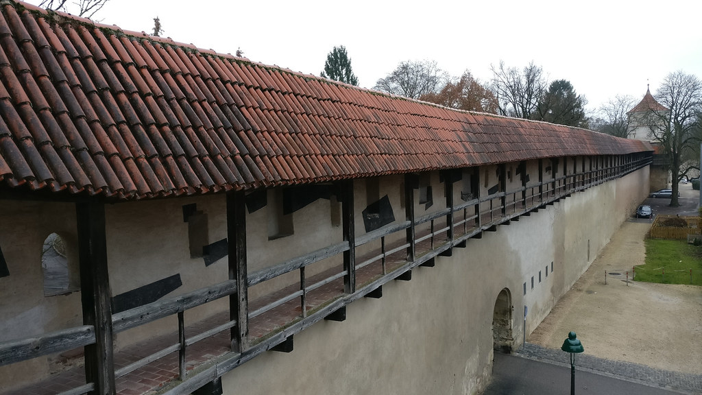 The amazing battlements of Nördlingen