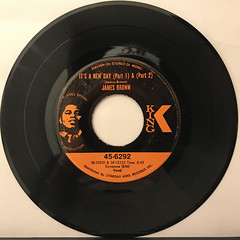 JAMES BROWN:IT'S A NEW DAY(RECORD SIDE-A)