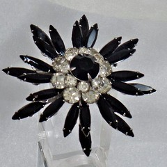 Judy Lee Jewelry. Vintage Brooch. Judy Lee Brooch. Silver Clear Black Rhinestone Pin.  Starburst Rhinestone Brooch. Snowflake Brooch. waalaa