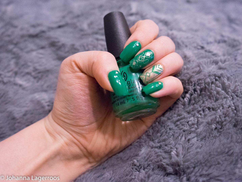 stamping nails green