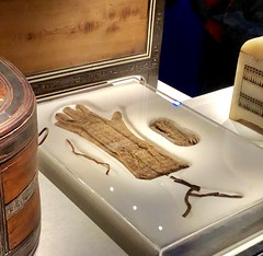 gants en lin de Toutânkhamon