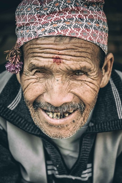 Humble Smile, Nikon D600, AF-S VR Zoom-Nikkor 24-85mm f/3.5-4.5G IF-ED