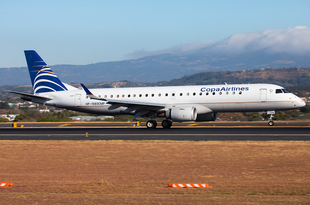 Speeding up on RWY07 for departure to Panama City PTY. Delivered 10/2006.