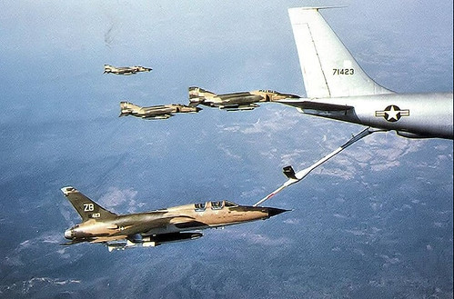 F-105 AAR boom