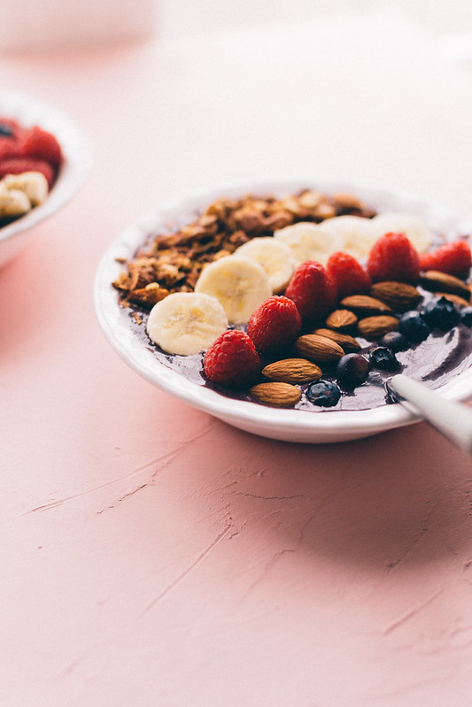 Almond blueberry acai bowl