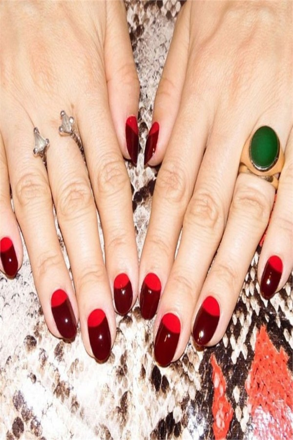 30+ Fabulous Red Nail Art To Impress Anyone #nail_art_designs #winter_nails #red_nails #valentine_nails