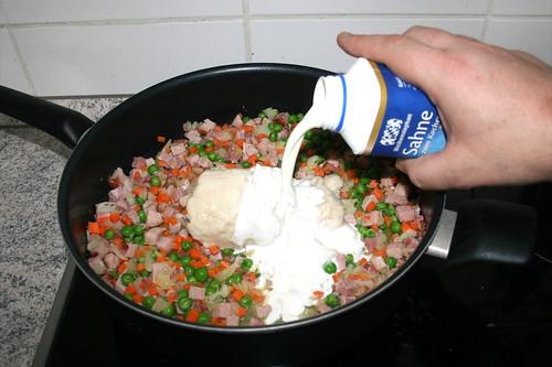 20 - Mit Sahne ablöschen / Deglaze with cream