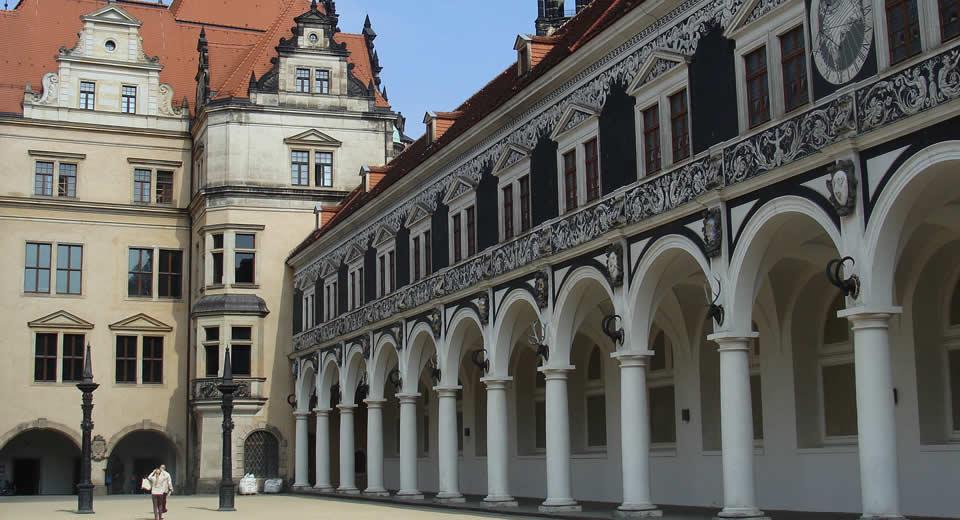 Dresden bezienswaardigheden: koninklijke stallen | Mooistestedentrips.nl