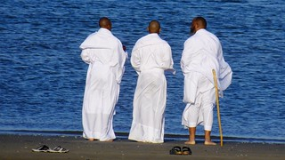 Three Wise Men and the Sea 04