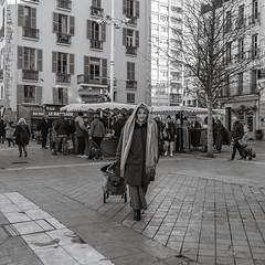 Normal people: Mature woman on market - Photo of Toulon
