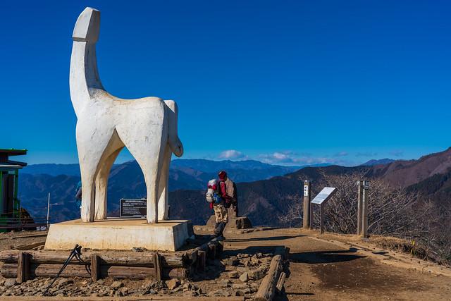 白馬のモニュメント