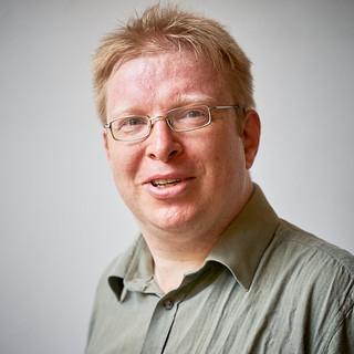 Dr Martin Levere