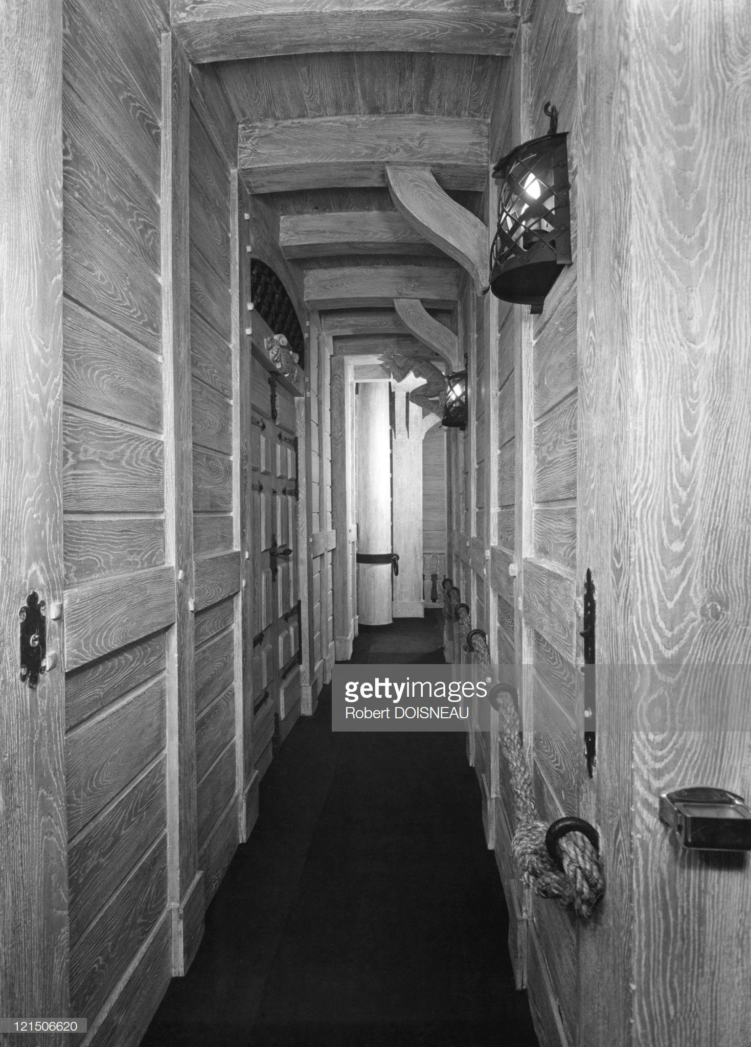 1946. Бордель расположен на улице Шабане за Национальной библиотекой