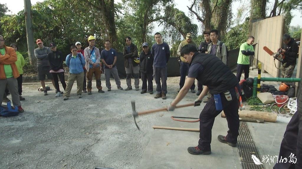 漁農署努力導入公眾參與,也仰賴郊野公園原有的工班制度,讓手作步道的精神,順利展現。