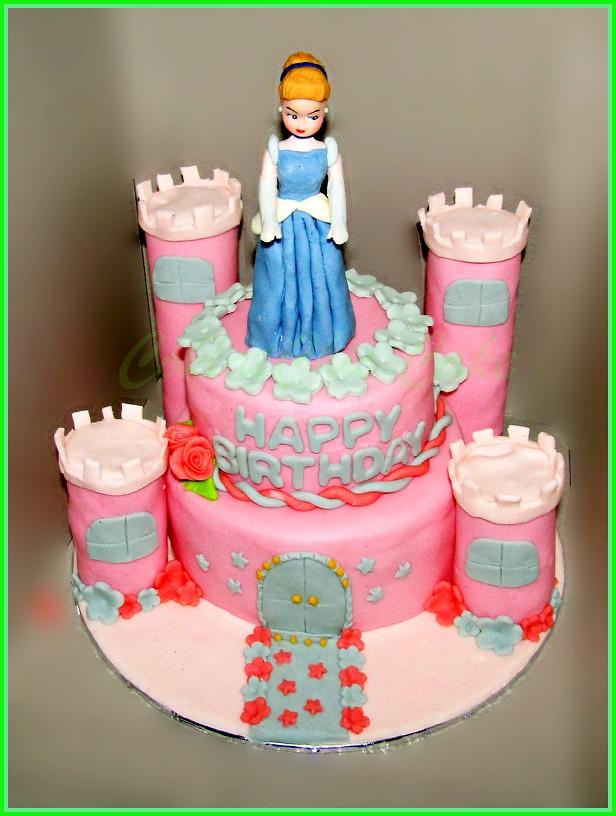 Cake Princes Castle 15 cm dan 12 cm