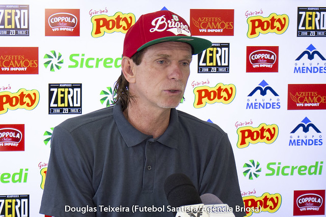 Sérgio Guedes, técnico da Portuguesa Santista