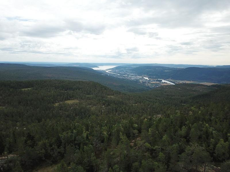 09-Utsikt mot Drammen fra Lokkeråsen (drone)