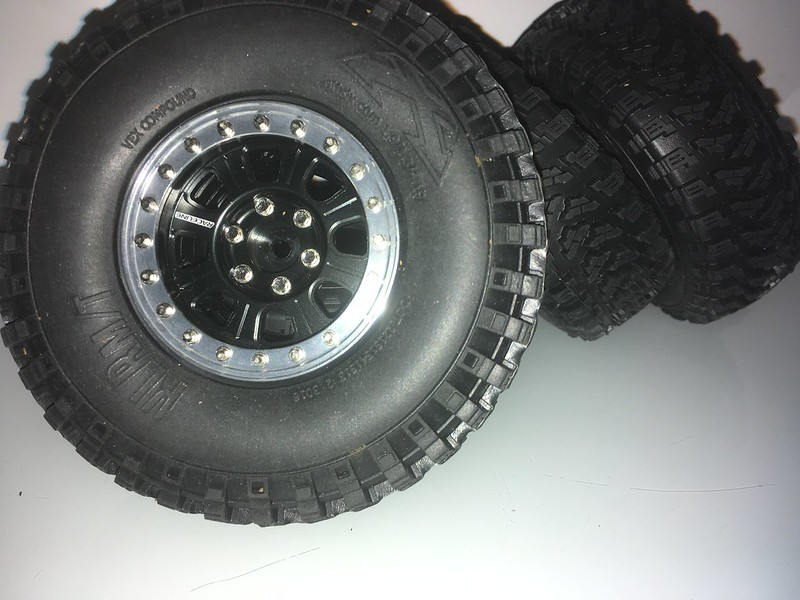 Toyota LC70 SCX10 II 45870294545_5608004f85_c