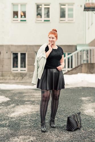 Asu_nahkahameella_Kuopio