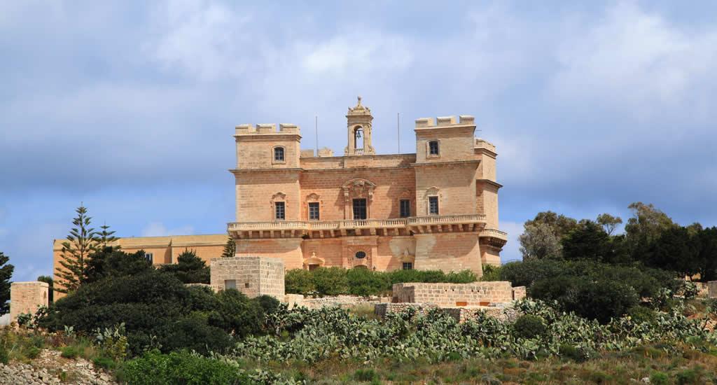 Doen in Mellieha, Malta: Selmun Palace | Malta & Gozo