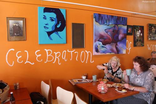 Célébration de la femme au café Sola, à Thames