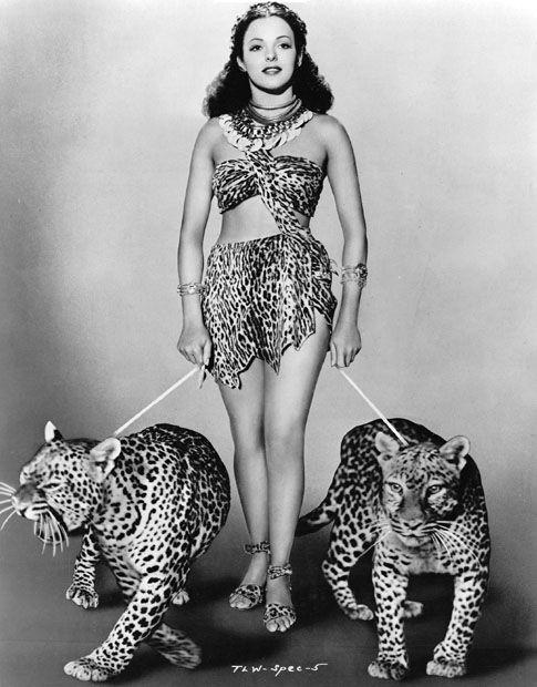 Кадр из фильма Тарзан и женщина-леопард (1946)