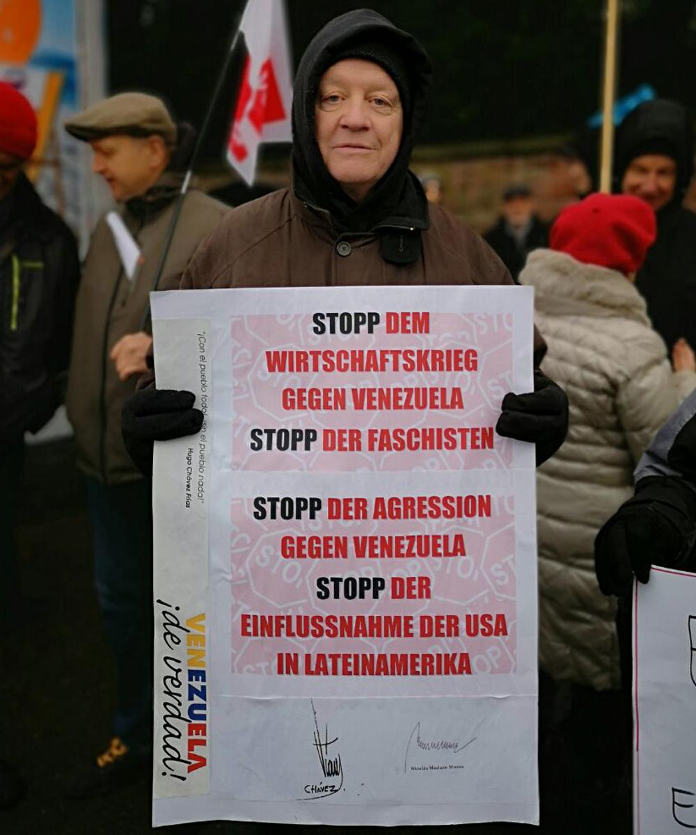 Movimientos sociales y políticos salen a las calles de Frankfurt en solidaridad con la Revolución Bolivariana