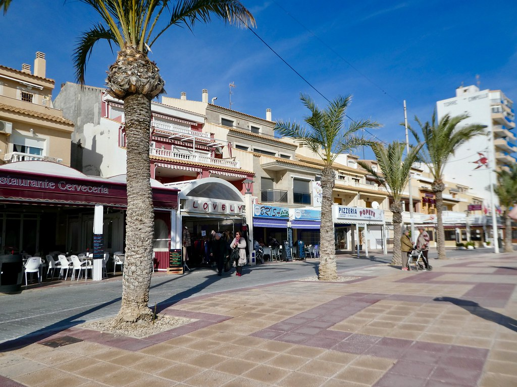 Along the promenade of El Campello